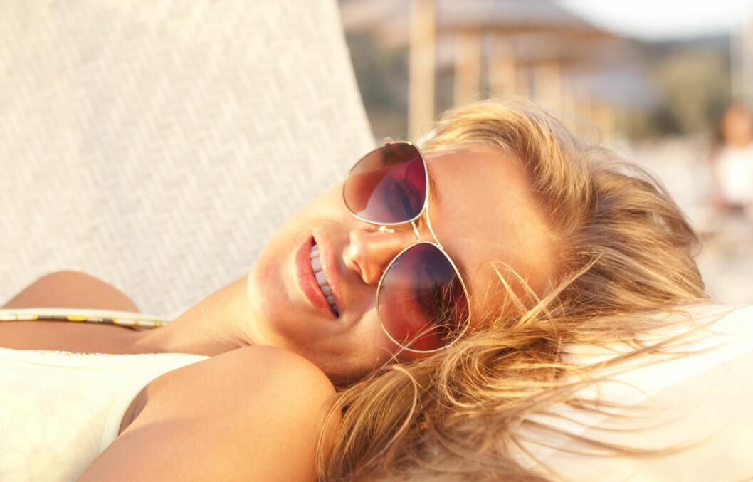 NYT SOLA: Du trenger ikke smøre på deg solkrem med én gang, sier kreftforsker. Foto: Colourbox