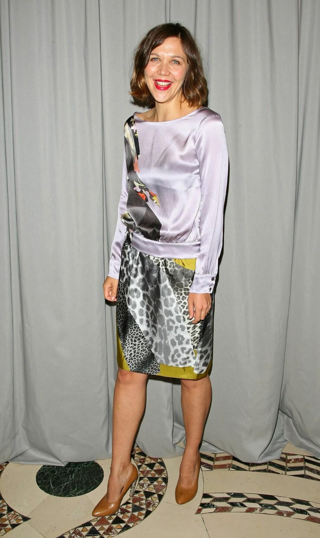 Casual i silkekjole på FITs Fashion Awards. Foto: All Over Press