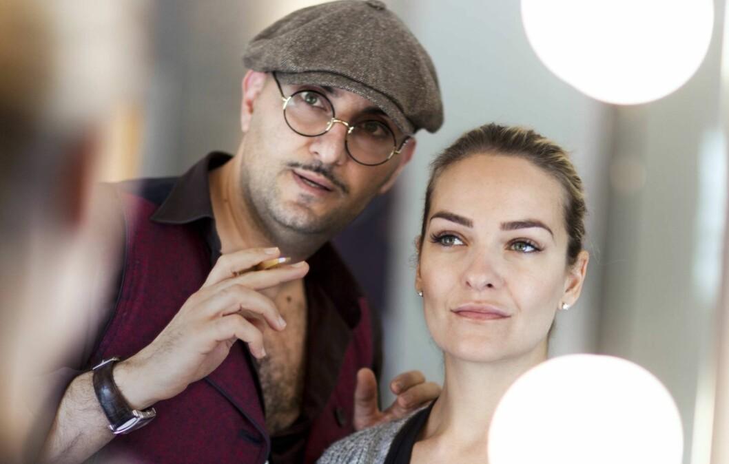 – DROPP TRENDENE! Øyebrynsstylist Fred Hamelten ber deg gi blanke i øyebrynstrendene og heller finne en form som kler ditt ansikt best mulig.  Foto: Astrid Waller