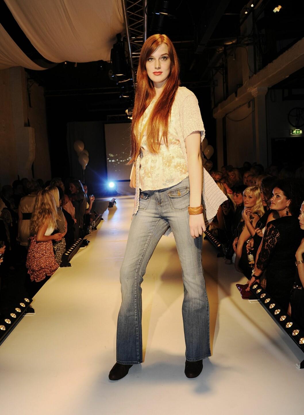 Antrekk fra Vero Moda: Topp, kr 199; kardigan, kr 399 og jeans, kr 399. Foto: Produsenten