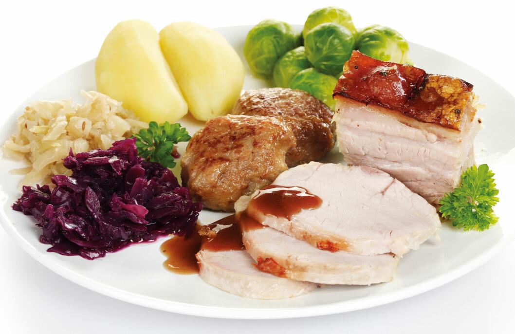 KALORIENE KOMMER FORT: Men det er ikke så vanskelig å gjøre måltidet litt sunnere med noen enkle triks.  Foto: Grete Roede