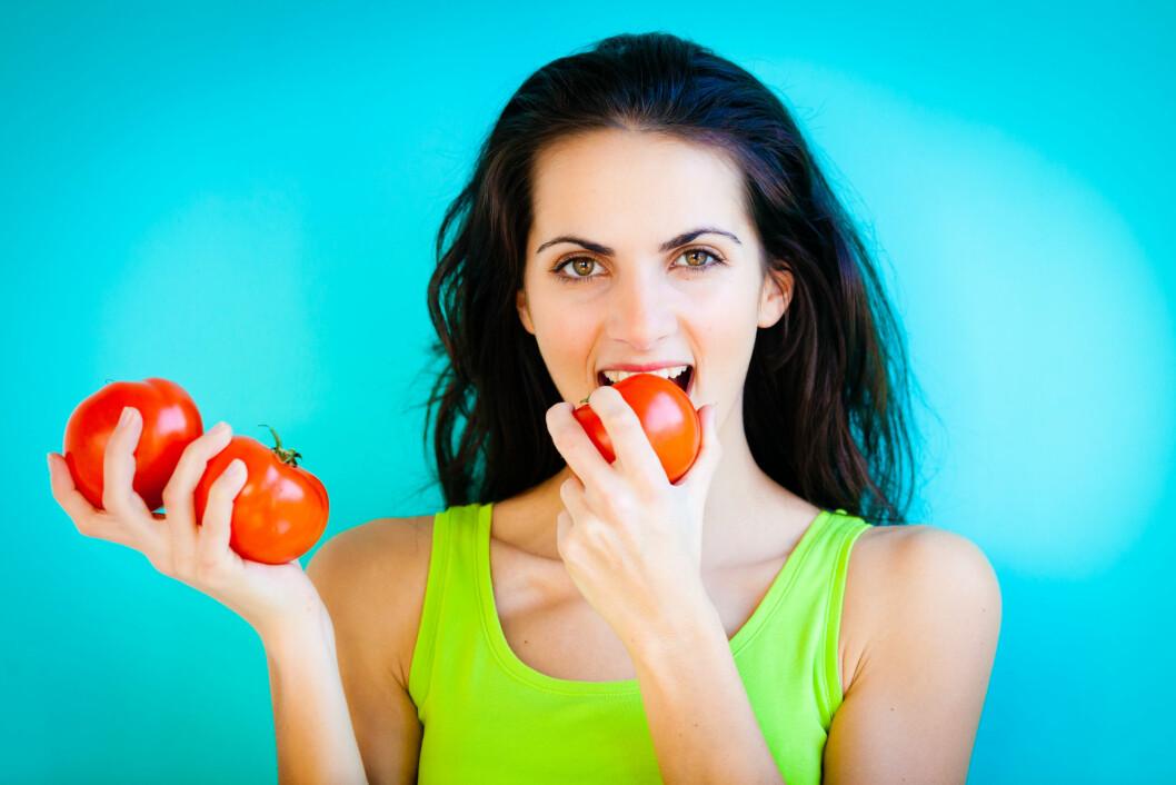 BEST VARM: For å få i deg mest mulig av antioksidanten lykopen fra tomaten, bør tomaten faktisk varmes opp først.  Foto: Garo/Phanie/REX/All Over Press