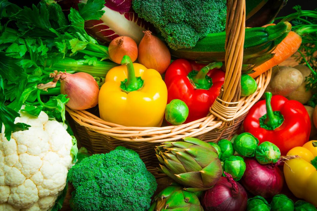 SUPERMAT: – Frukt og grønnsaker er viktige kilder til karotenoider og flavinoider. Det finnes flere studier som viser sammenheng mellom bedre hudhelse og høyt inntak av grønnsaker, frukt og bær, sier doktor Rolah O. Lønning.  Foto: larcobasso - Fotolia