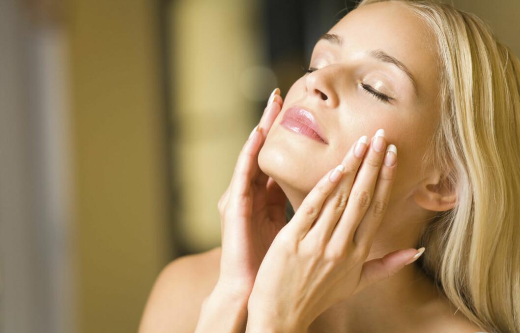 PEELING: Det å bruke en ansiktspeeling én til to ganger i uken kan gjøre underverker for huden din.   Foto: Thinkstock.com