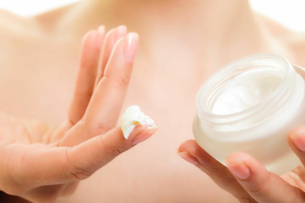 SYREPRODUKTER: Disse produktene har den effekten at de renser huden fra innsiden.  Foto: Voyagerix - Fotolia