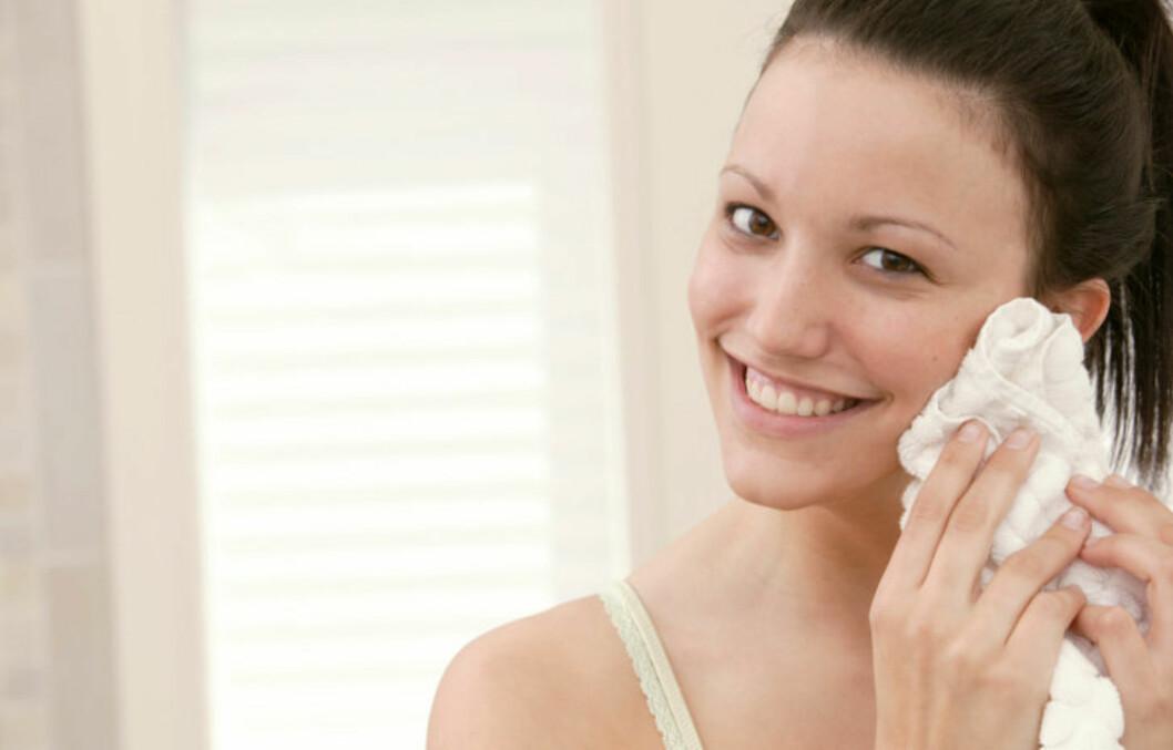 FÅ GLØD: Peeler du huden jevnlig, vil huden din se friskere og sunnere ut, selv om vinteren.  Foto: All Over Press