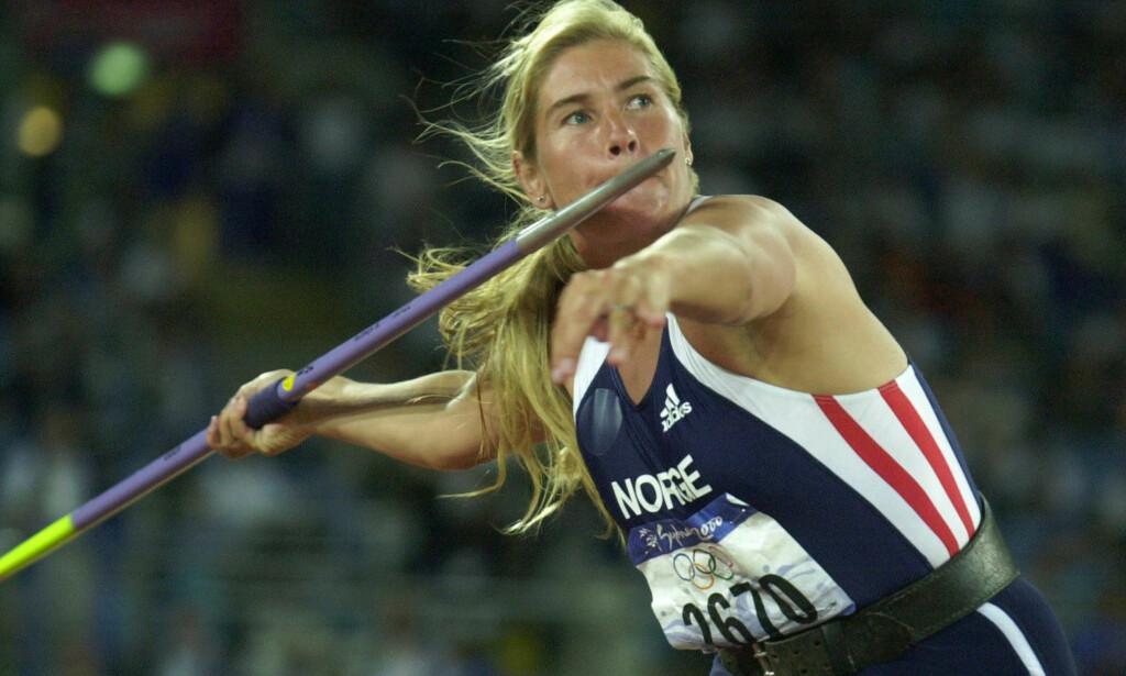 SATTE VERDENSREKORD: Samme året som Trine Hattestad stakk av med OL-gull i Sydney i 2000, satte hun ny verdensrekord under et stevnet i Roma. Foto: NTB Scanpix