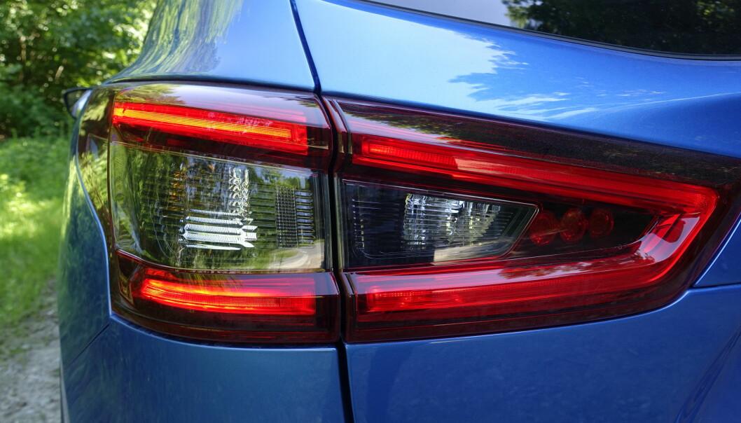 <strong>LED:</strong> Nå har også Nissan fått LED kjørelys. Rart de ikke hadde det under introduksjonen for tre år siden. Foto: Rune M. Nesheim