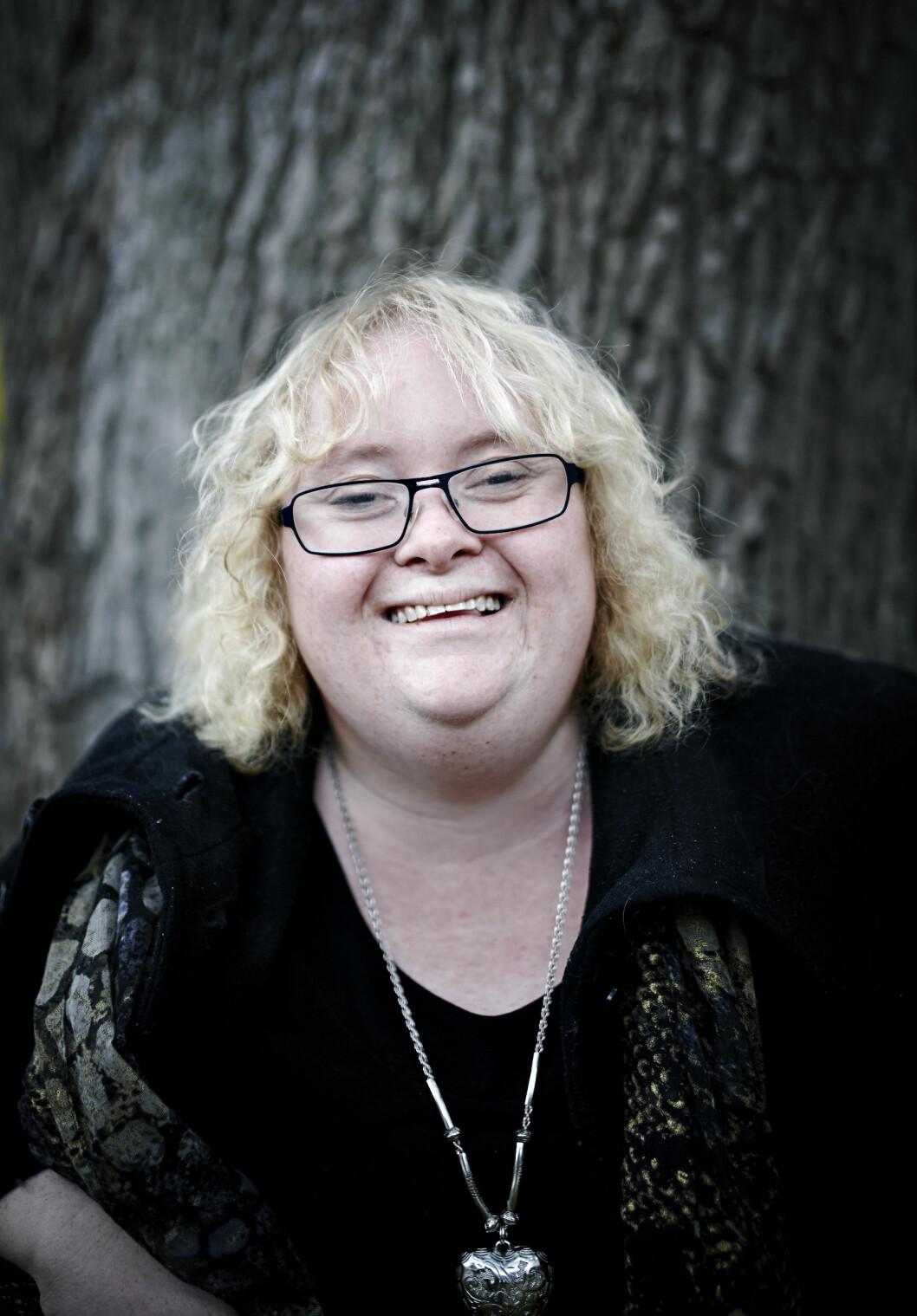DOWNS SYNDROM: – Mangelen på kunnskap om downs er fremdeles stor, sier Hanne, som er blitt 35 år. Hun har jobb og flyttet for seg selv da hun var 20 år. Foto: Geir Dokken
