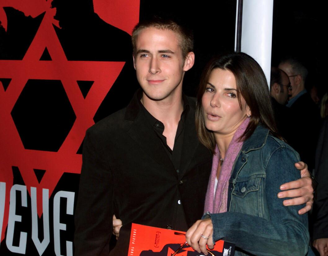 ANNO 2001: Skuespillerne Ryan Gosling og Sandra Bullock møttes i forbindelse med jobb på begynnelsen av 2000-tallet og datet i et års tid. Ifølge ryktene skal det ha vært Gosling som dumpet den 16 år eldre filmstjernen. Dette bildet er tatt under premieren på filmen «The Believer» fra 2001 hvor Gosling hadde hovedrollen. Foto: NTB Scanpix