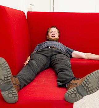 Den kontroversielle kunstneren Lars Cuzner i sitt arbeidsrom, Storgata 19. Foto: Lars Eivind Bones / Dagbladet