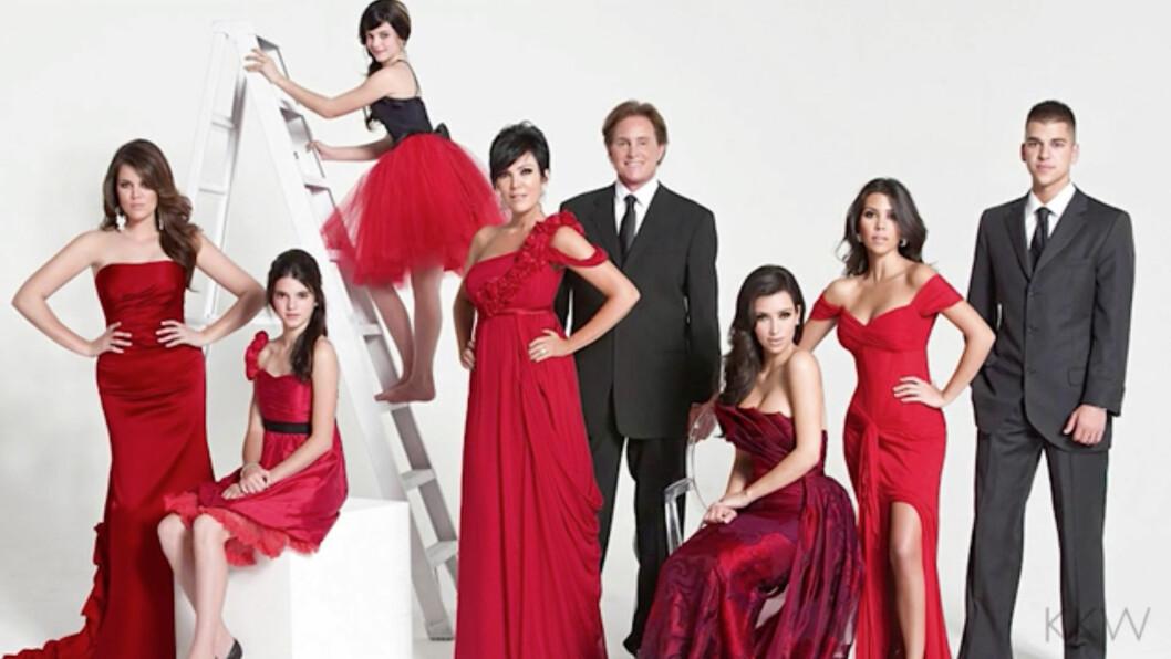 KARDASHIAN-FAMILIEN: Så å si hvert år har den berømte Kardashian-familien servert oss julekort. Noen litt mer originale og noen hakket mer kreative. Men etter året de har hatt - vil vi få se et julekort fra 2016? Foto: Xposure