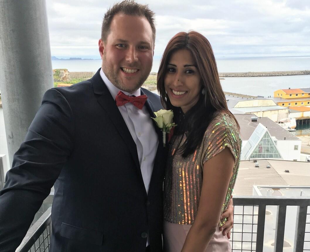 VELKOMMEN: Roger Rasmussen og kona Preethi ønsker å åpne hjemmet sitt for noen som trenger noen å feire sammen med. Foto: Privat