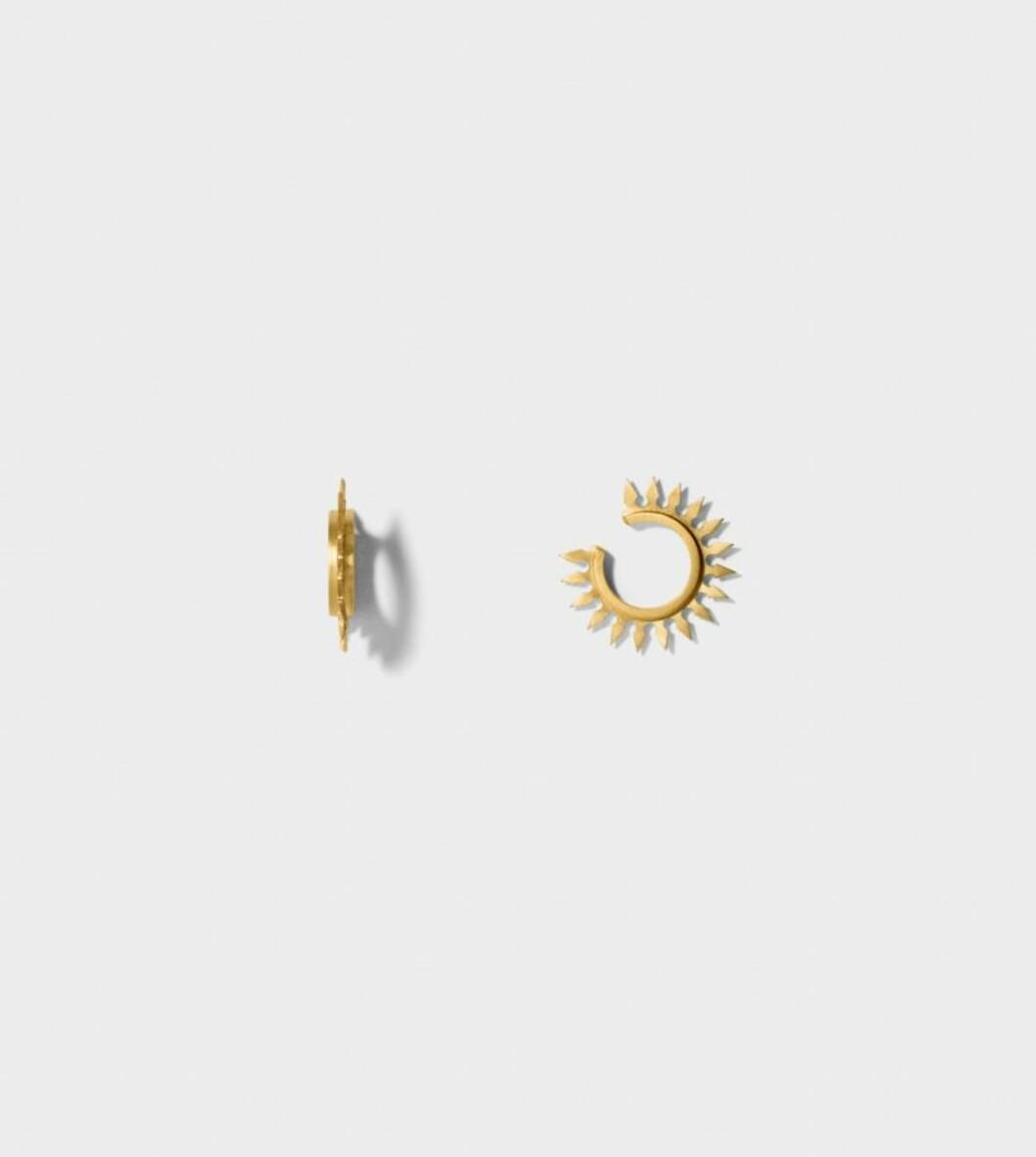 <strong>Ear cuff fra Line&Jo | kr 3450 | http:</strong>//www.lineandjo.com/product/1962-linejo-miss-eireen-gold