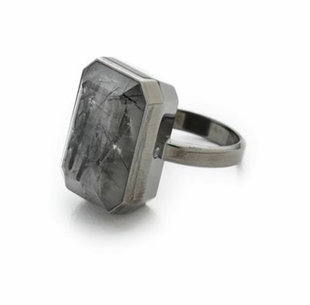 Dive Bar Tech Activity Ring fra Ringly via Shopbop.com | kr 1675