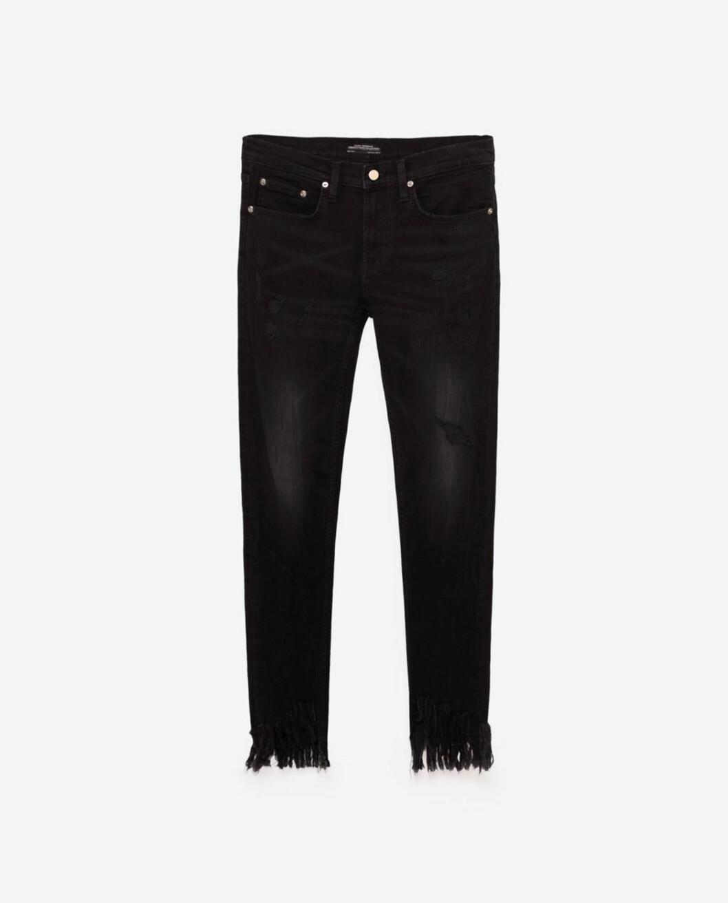 Jeans med frynsete kant fra Zara | kr 559 | http://www.zara.com/no/no/dame/jeans-%7C--20/se-alle/smal-denimbukse-boyfriend-c733918p4006520.html