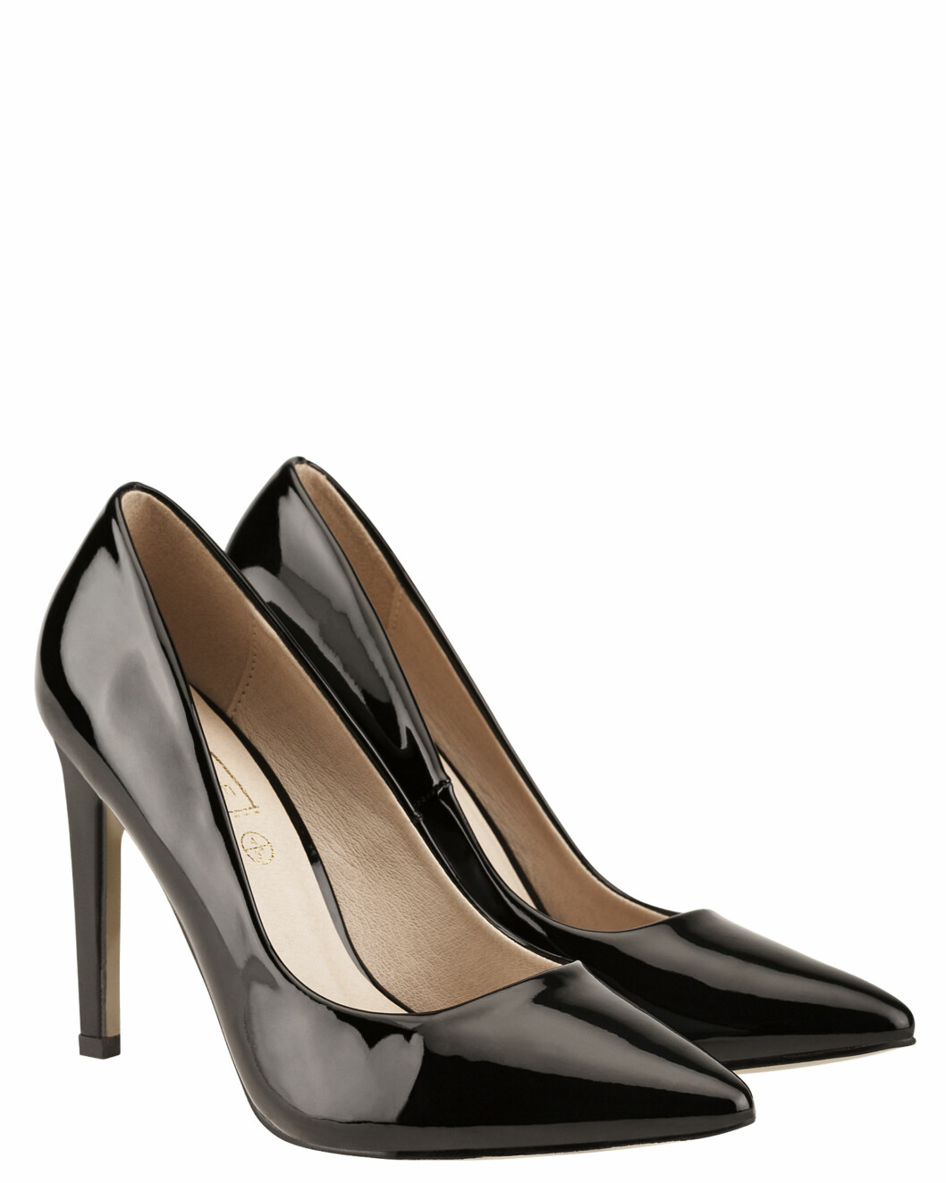 Pumps fra Truffle via Bubbleroom.no | kr 399 | https://track.adtraction.com/t/t?a=1118337868&as=1115634940&t=2&tk=1&url=http://www.bubbleroom.no/nn/sko/dame/truffle-1/fest-1/pumps-nova1-svart-lakk