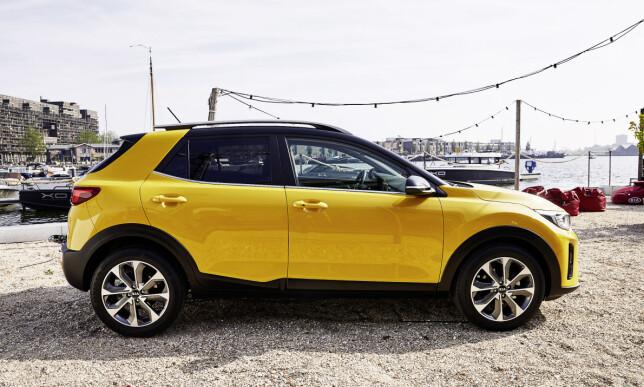 BABY-SUV: De små crossoverne som Juke, Captur, Crossland X og nå Stonic, kan for mange være neste skritt opp fra småbilklassen - eller et mer høyreist alternativ til en klassisk kompaktbil à la Golf. Foto: Kia