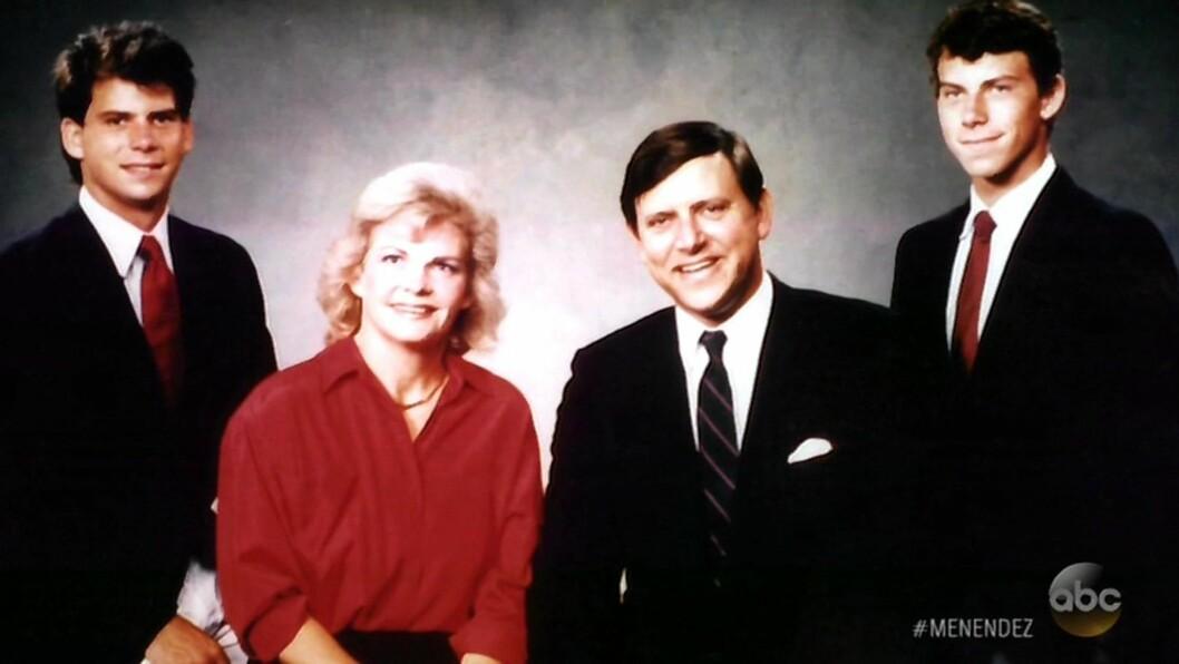 DRAP: Lyle (til venstre) og Erik Menendez (til høyre) drepte foreldrene Jose og Kitty Menendez i deres felles hjem i Beverly Hills den 20. august 1989. Dette bildet er fra ABC News-dokumentaren. Foto: NTB Scanpix