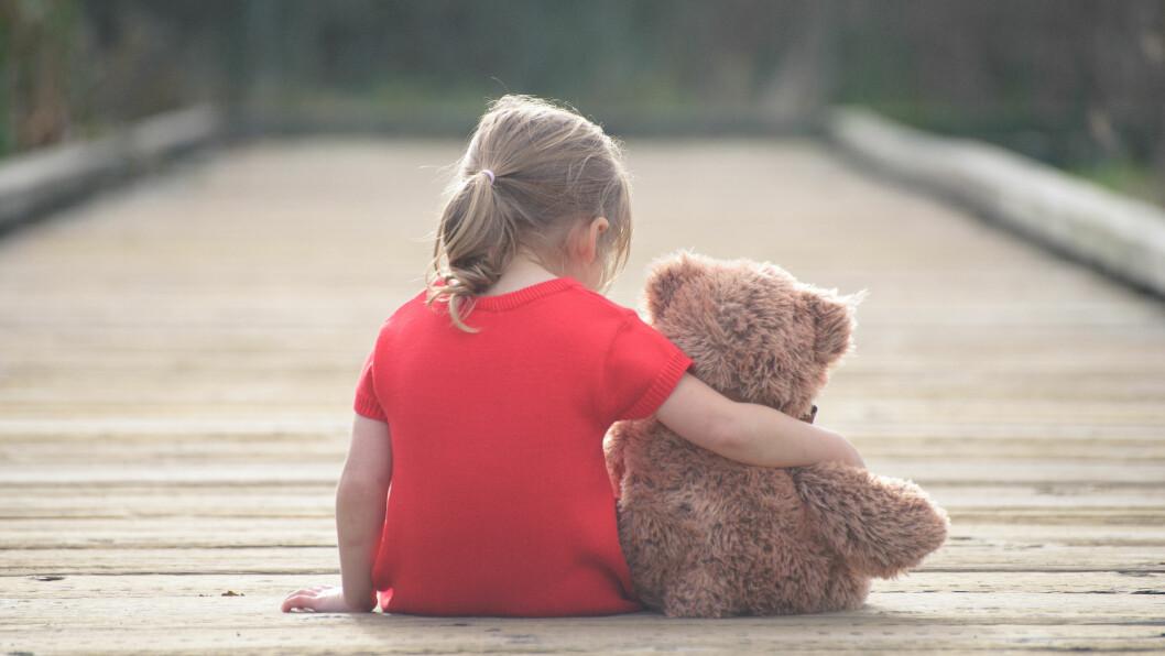 MISTER OMSORGEN: Manglende foreldreferdigheter og psykiske problemer er de to vanligste årsakene til at foreldrene mister omsorgen for barna.  Foto: Shutterstock / Podlesnyak Nina