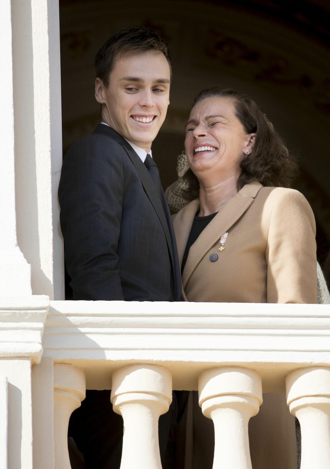 LATTER OG MORO: Prinsesse Stephanie med sønnen Louis Ducruet. Det er ingen tvil om at de hygget seg i lag på fyrstepalasset. Foto: NTB Scanpix