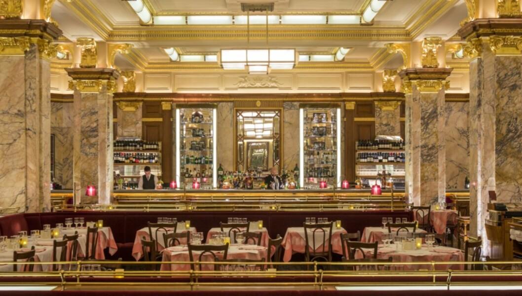 BRASSERIE ZEDEL: Et storslått parisisk brasseri kun et steinkast fra Piccadilly Circus Foto: Brasserie Zedel