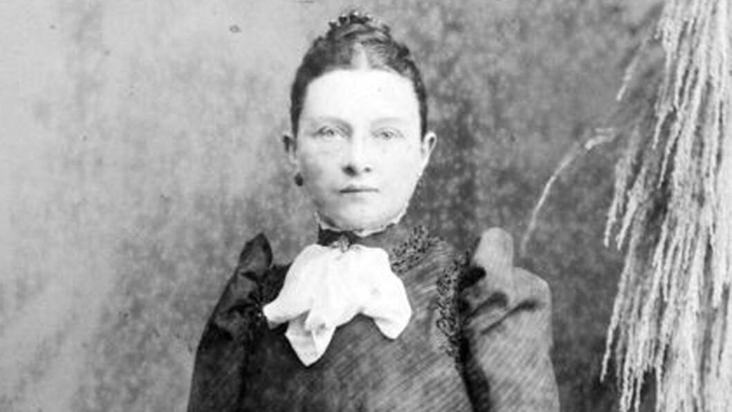 UTE ETTER HEVN?: Elizabeth «Lizzie» Williams kunne ikke få egne barn. Nå pekes hun ut som Jill the Ripper.  Foto: NTBScanpix og Shutterstock