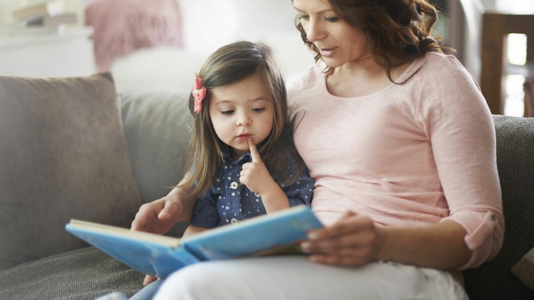 SNAKK OM KROPPEN: Bøker er en fin inngang til en samtale.  Foto: Scanpix