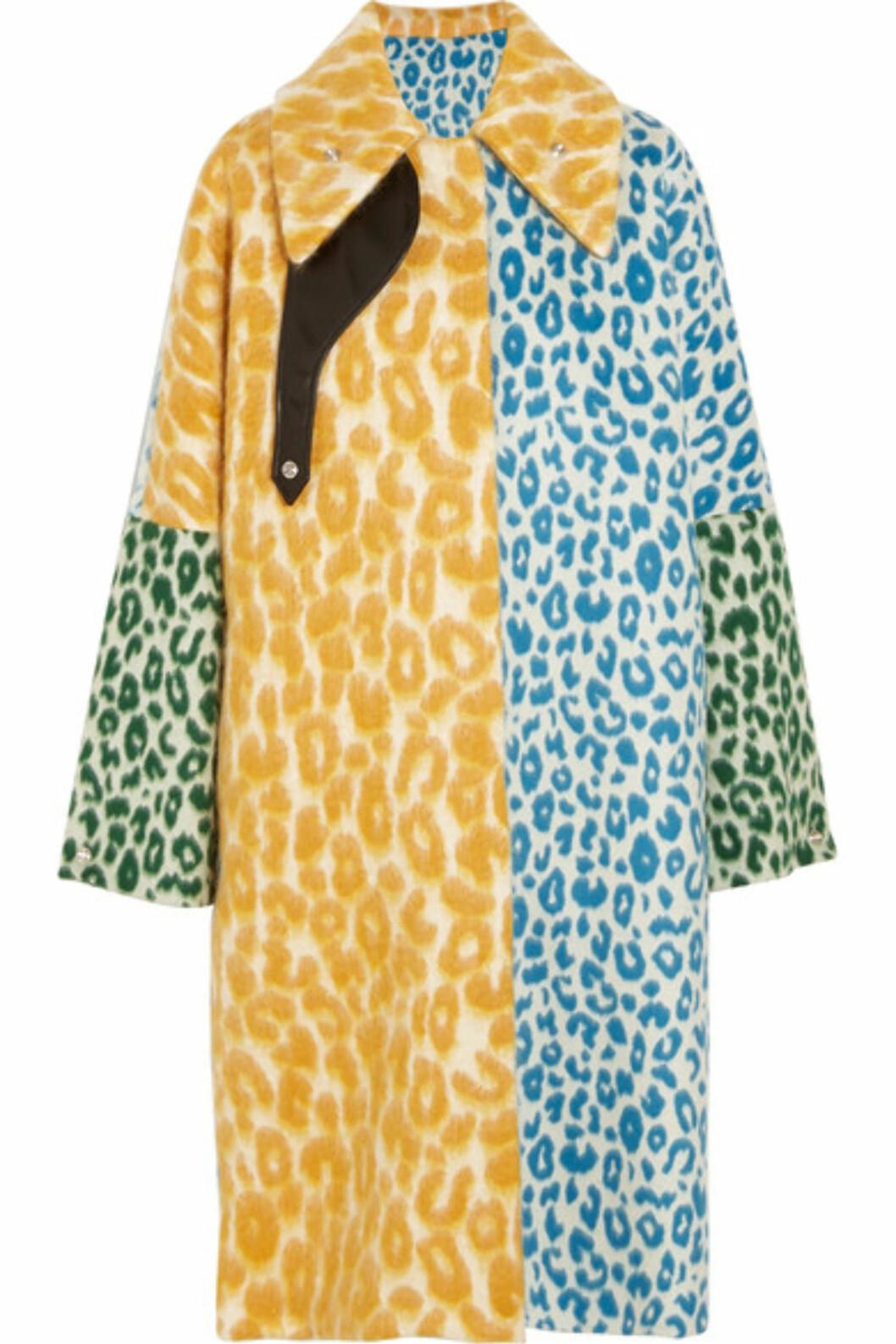 Kåpe fra Acne Studios via Net-a-porter.com | kr 21280 | https://www.net-a-porter.com/no/en/product/755588/Acne_Studios/bertilyn-leo-oversized-leopard-print-felt-coat