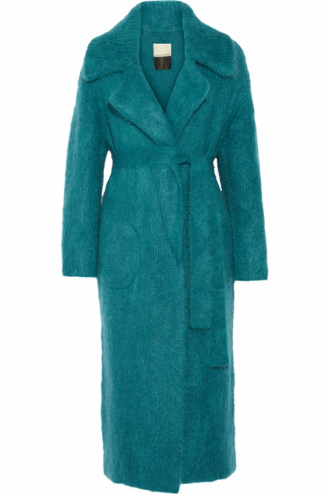 Kåpe fra By Malene Birger via Net-a-porter.com | kr 6378 | https://www.net-a-porter.com/no/en/product/751301/by_malene_birger/jovillan-ribbed-knit-coat