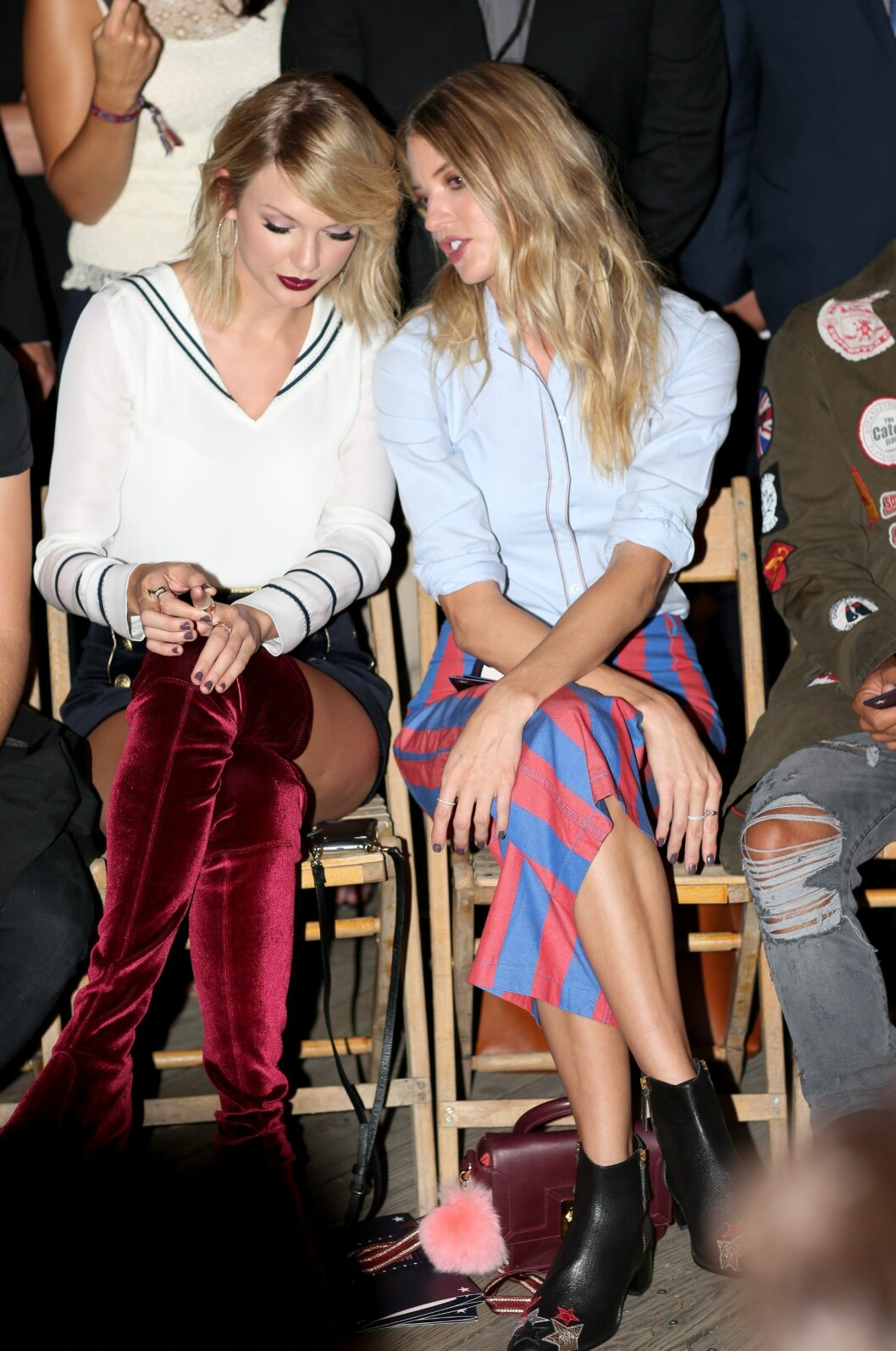 Taylor Swift og Martha Hunt Foto: Rex Features
