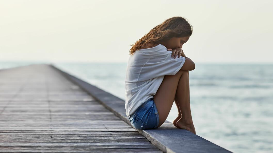 IKKE UVANLIG: Sosial isolasjon og ensomhet er ikke uvanlig. Ifølge Statistisk sentralbyrå opplever ca. 1 av 4 ensomhet i dag. Foto: Shutterstock / Viktor Gladkov