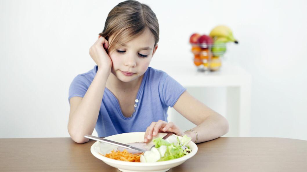 Willy-Tore Mørch, psykolog og professor ved Universitetet i Tromsø, mener foreldre bør vise moderasjon med tanke på temaene som har med kropp å gjøre. Dette for å unngå at barna vokser opp med et for stort fokus på utseende, mat og trening.  Foto: Scanpix