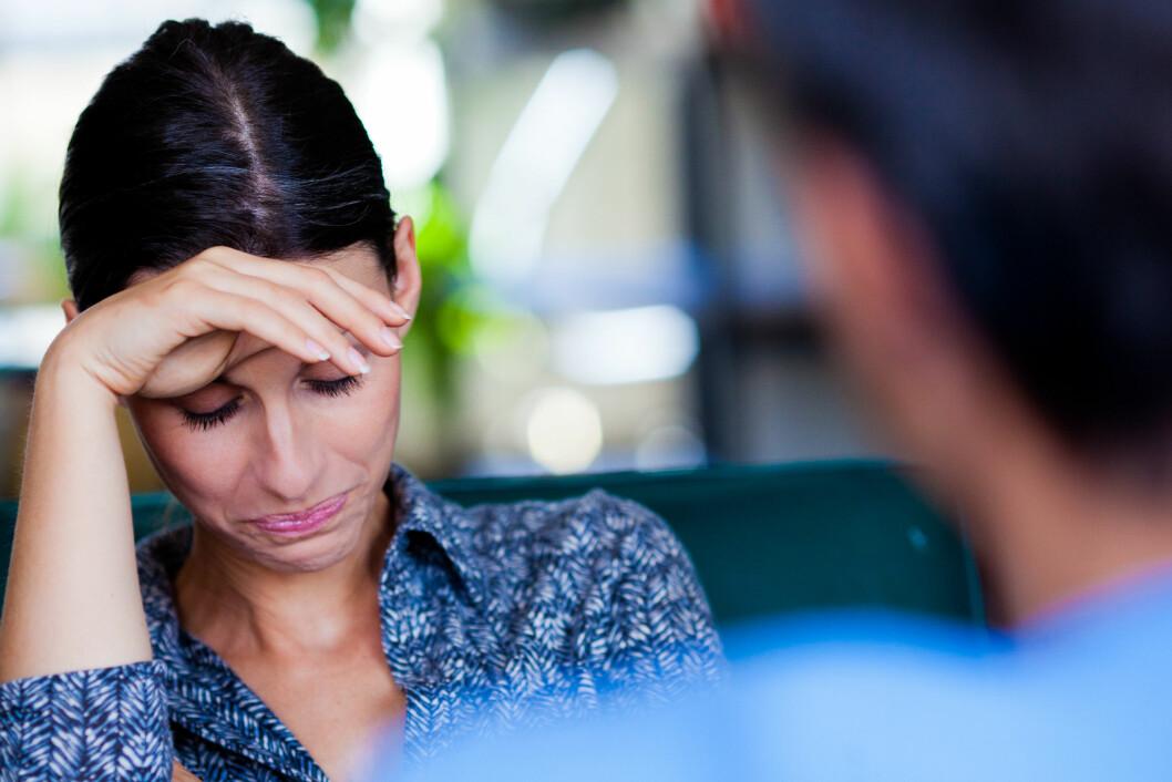 <strong>TA KONTAKT:</strong> Ikke vær redd for å ta kontakt med pårørende. Det å sende en SMS eller stikke innom med en blomst kan være godt for dem som har mistet noen. Foto: REX/Garo/Phanie/All Over Press