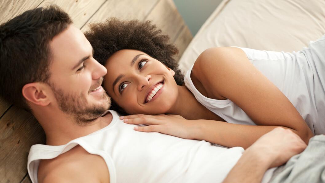 FØLELSER ETTER SEX: Hvorfor får egentlig kvinner lettere følelser etter sex enn menn?  Foto: Shutterstock / luminast