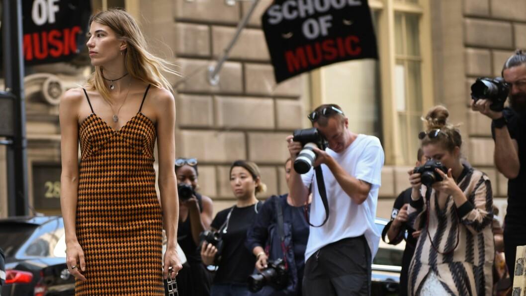 STREETSTYLE: Fotografene har nok å gjøre på gaten under New York Fashion Week. Foto: Rex Features
