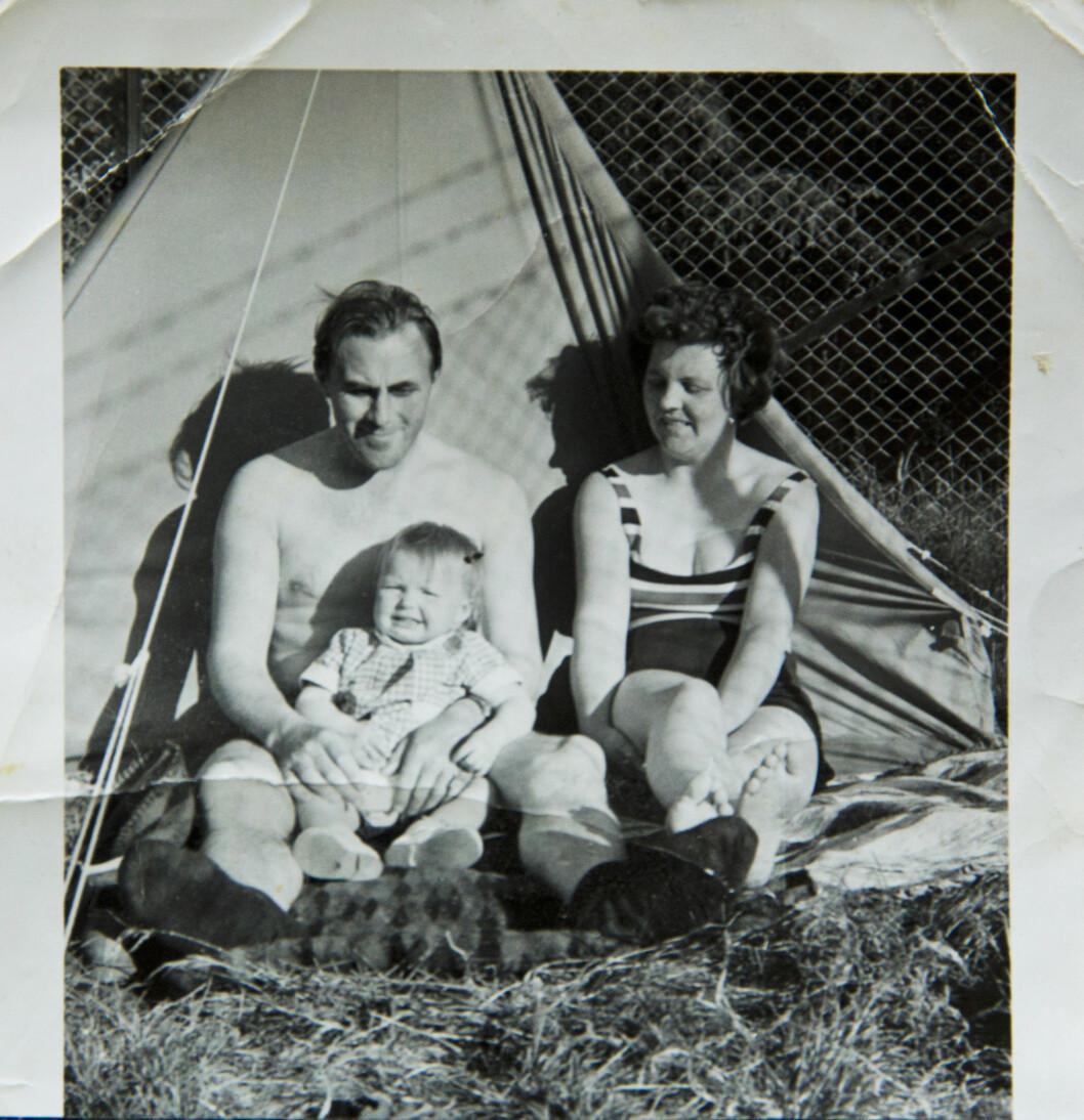 <strong>EKTE FAMILIE:</strong> Mor, far og barn. Kristin følte alltid at hun hørte hjemme. Foto: Cathrine Dillner Hagen