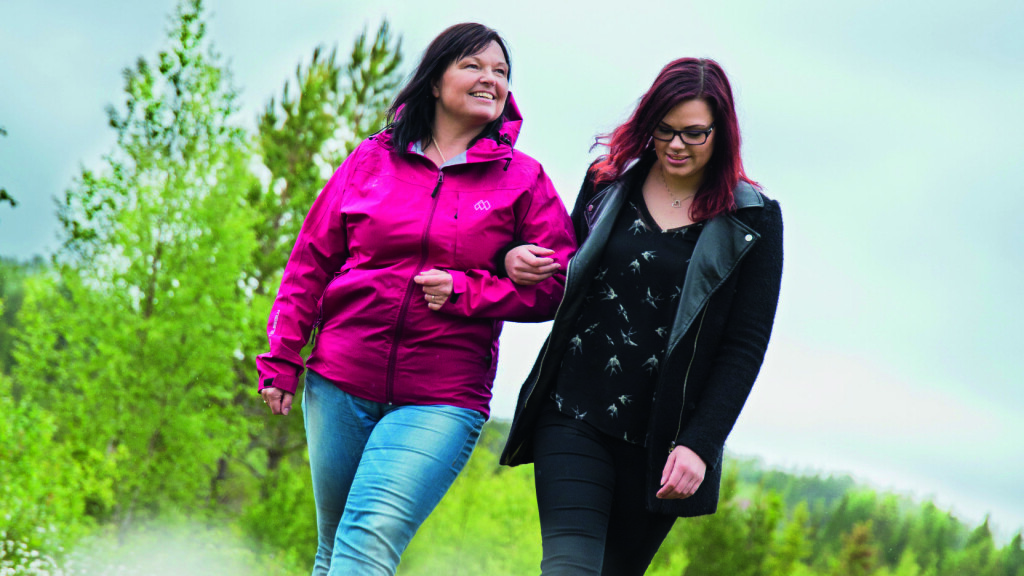 94d9e394 STOR FAMILIE: Kristin, med datteren Elin, hadde plutselig fem søsken å  feire 50