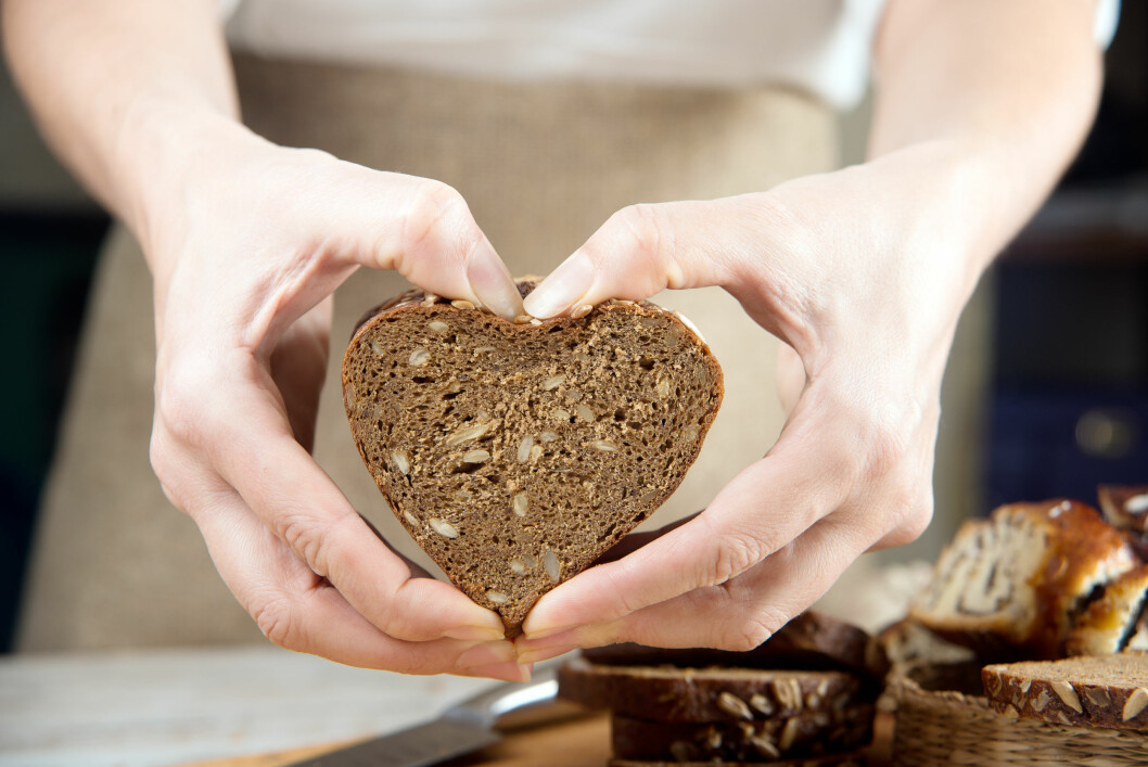 Fiber er viktig for å holde fordøyelsen i gang, og grovt brød er en god måte å få i seg nok av dette på.  Foto: Shutterstock / nata-lunata
