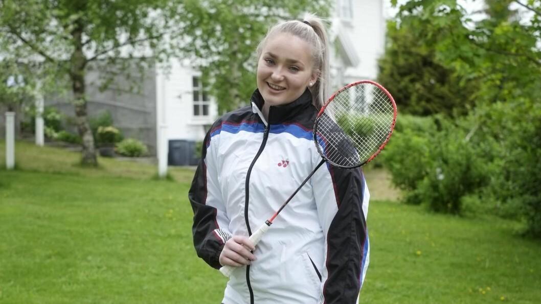 GODT MILJØ: Badminton er en sosial sport, og Helle Sofie har fått mange bekjentskaper i utlandet gjennom idretten. – Det gir meg mye, sier hun. Foto: Hege Landrø Johnsen
