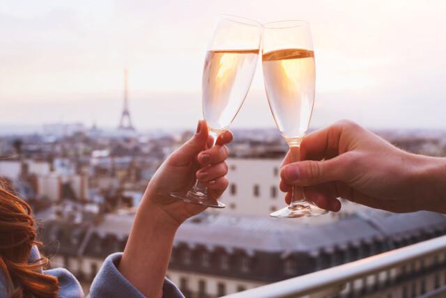 hvor mange flasker champagne produseres i året