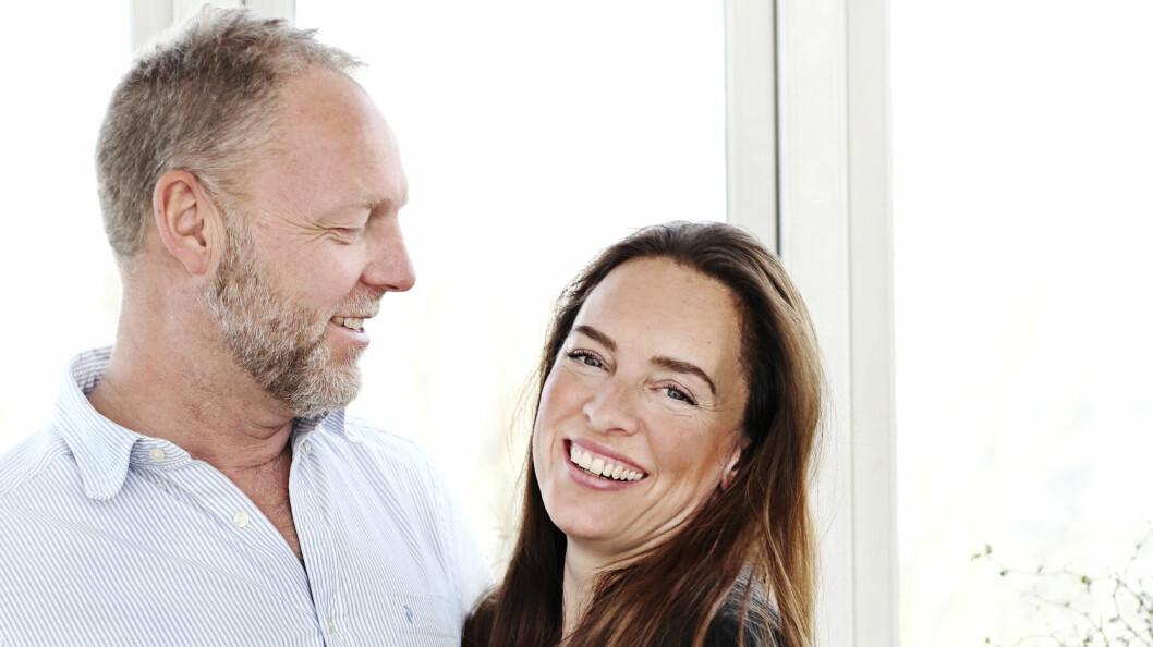 <strong>VILLE HAR FLERE BARN:</strong> Kitt Schröder (41) og Mikael Haislund (51) har til sammen tre barn, på 13, 20 og 22 år, fra tidligere forhold. Men da de møttes, ønsket Kitt seg minst ett til.  Foto: Sif Meincke
