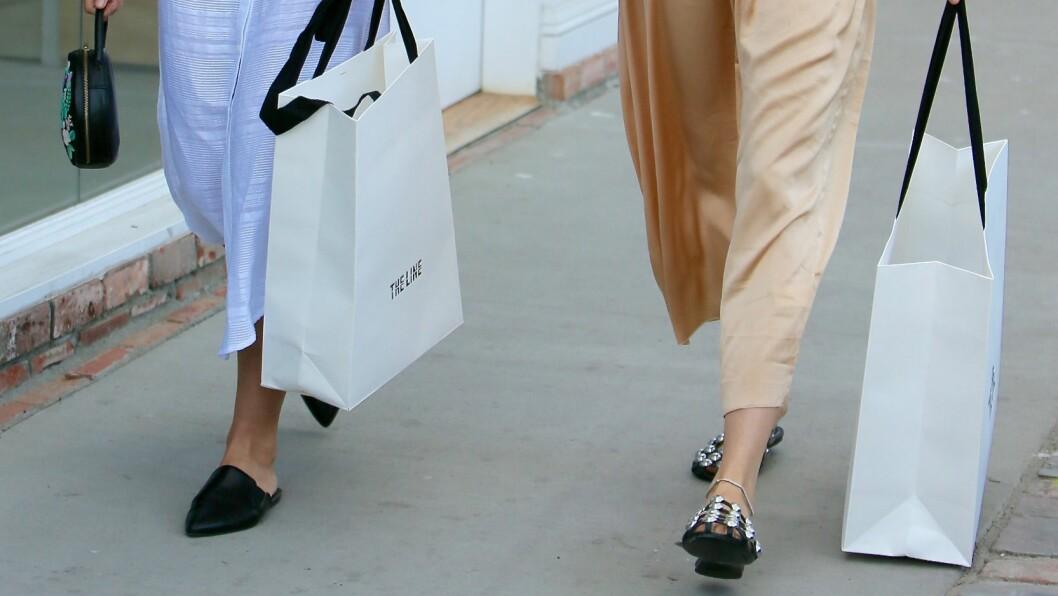HOTTE MOTENYHETER: Trenger du litt nytt til klesskapet, eller har du bare lyst på noe nytt? Da bør du sjekke ut bildekarusellen nederst i saken. Der ligger det mange deilige motegodbiter slik at du er klar til å kaste deg ut på shoppingtur! Foto: wenn.com