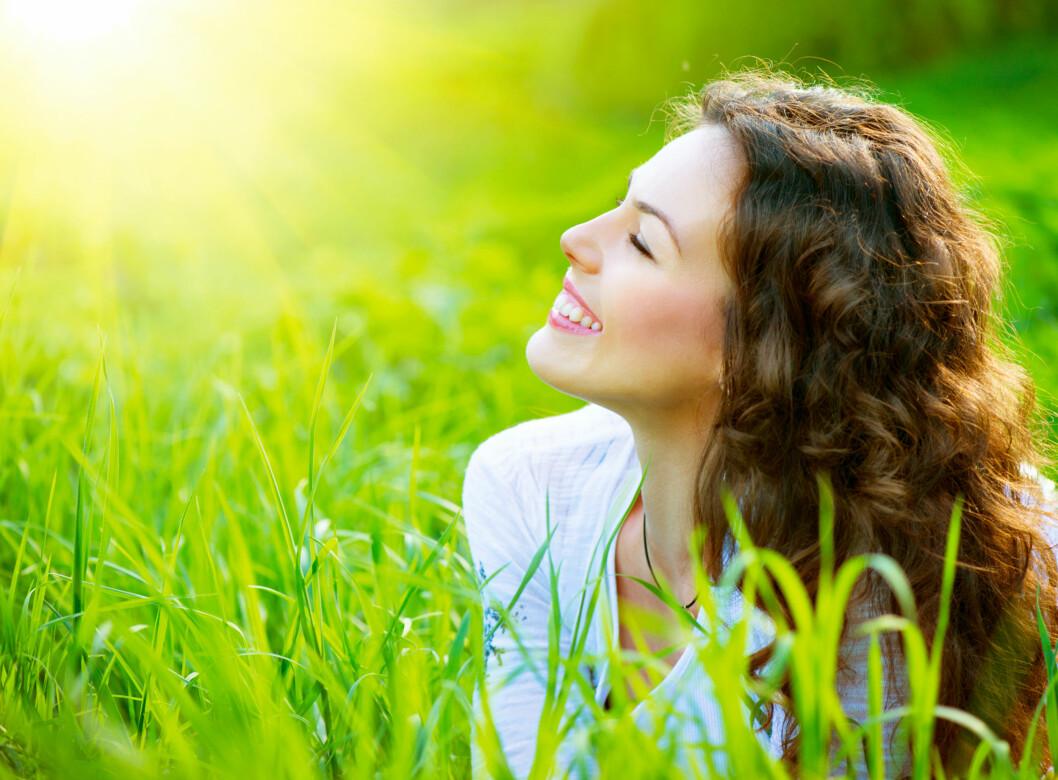 RØDMER: En britisk studie viser at fargen i en kvinnes ansikt faktisk kan si noe om hvor i syklusen hun er, og den blir gjerne litt ekstra rød når hun er fruktbar. Foto: Shutterstock / Subbotina Anna