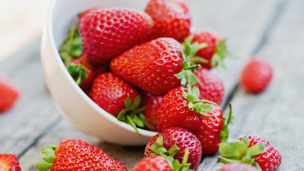 JORDBÆR: Jordbær er ikke bare godt, det er også supersunt! FOTO: Shutterstock / alisalipa