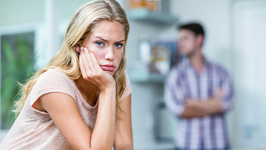 VIKTIG Å SNAKKE SAMMEN: Er det noe ved kjæresten din som har begynt å plage deg skikkelig? Som i dine øyne gjør ham ordentlig lite attraktiv? Da kan det være viktig å ta det opp med ham, men finn ut av hvorfor det plager deg først. Foto: Shutterstock / wavebreakmedia