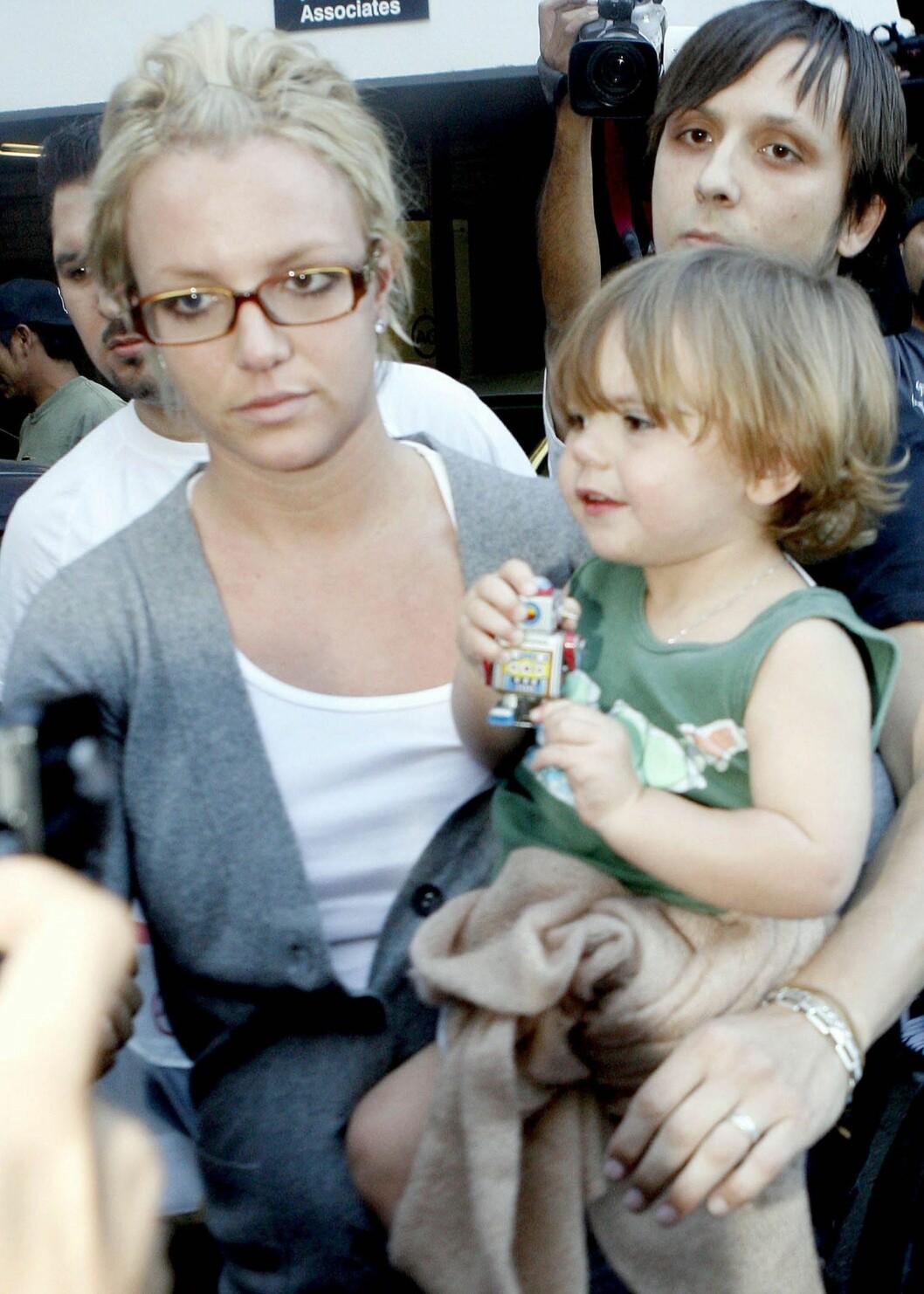 <strong>MISTET OMSORGSRETTEN:</strong> Etter at Britney Spears hadde en turbulent tid hvor hun var inn og ut av forskjellige rehabiliteringssenter, mistet hun omsorgsretten for barna.  Foto: WENN.com