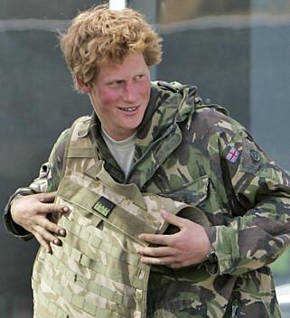 PÅ JOBB: Prins Harry i Afghanistan i 2008. Foto: NTB Scanpix