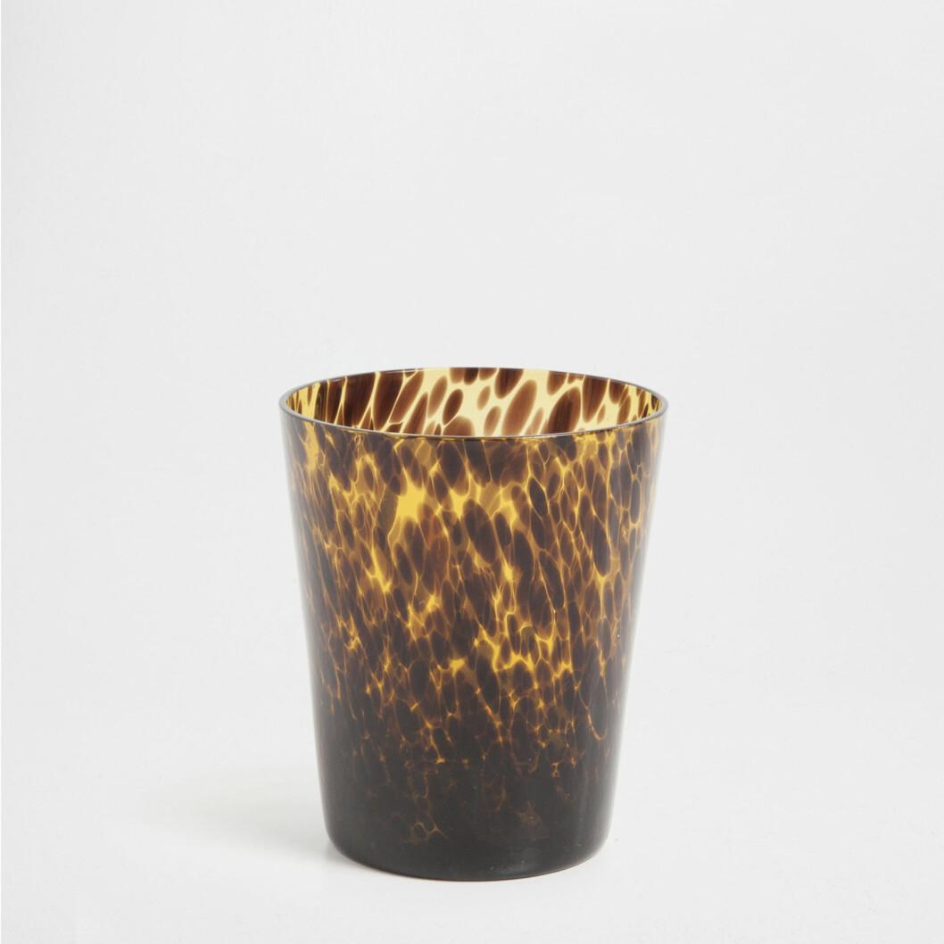 Leopardmønstrete glass (kr 60, Zara Home).  Foto: Produsenten