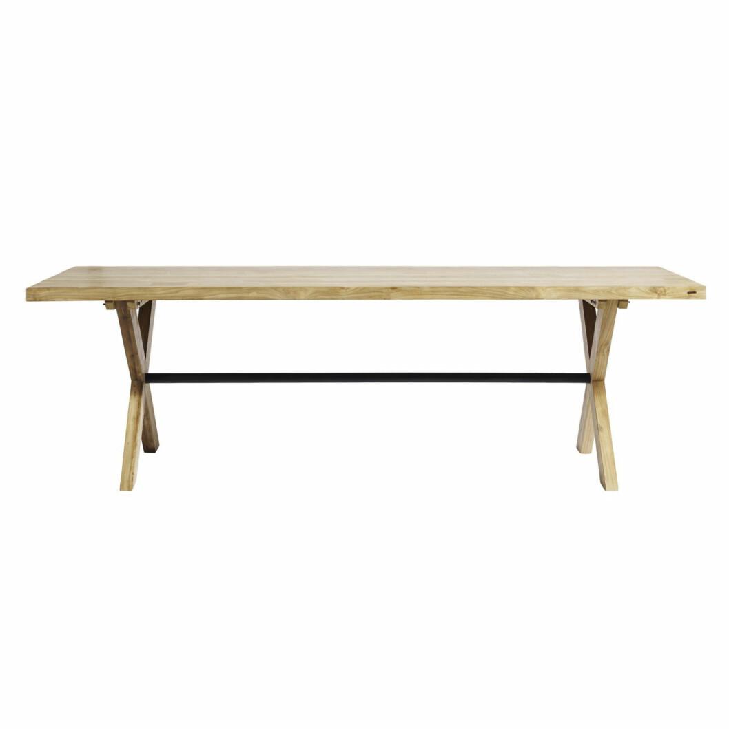 Spisebord i vakkert tre (kr 20 275, Muubs).  Foto: Produsenten
